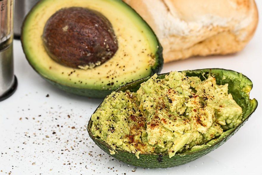 super hrana koja vam može pomoći da ublažite stare, zaustavite nastanak novih bora i da vaša koža zadrži čvrstinu.